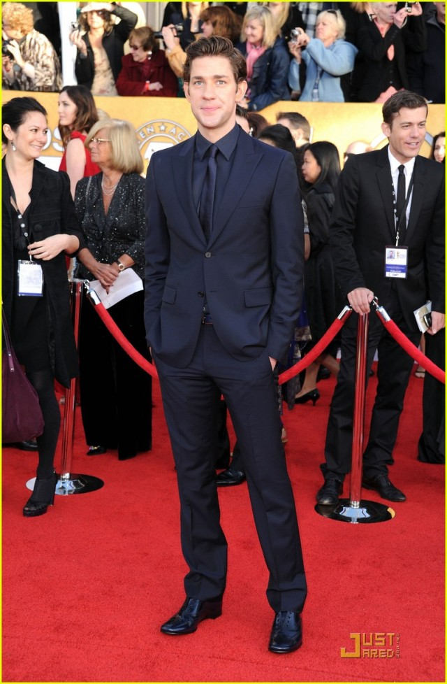 2011 SAG AWARDS :  celebrity celebrities fashion sag awards celeb outfit red carpet style tux
